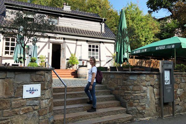 Das Foto zeigt Katalina am Waldhaus Bochum
