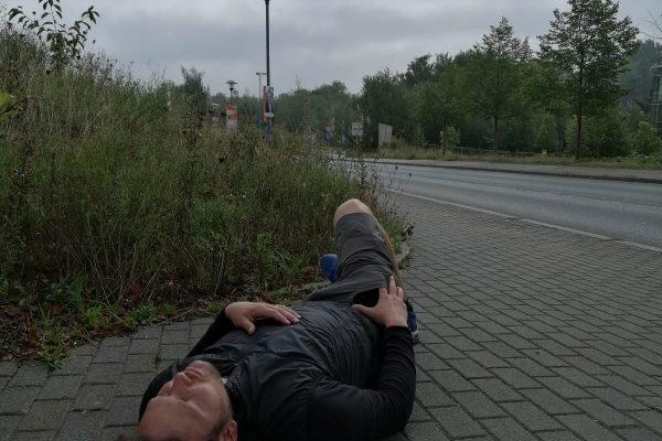 Das Bild zeigt eine schlafende Person