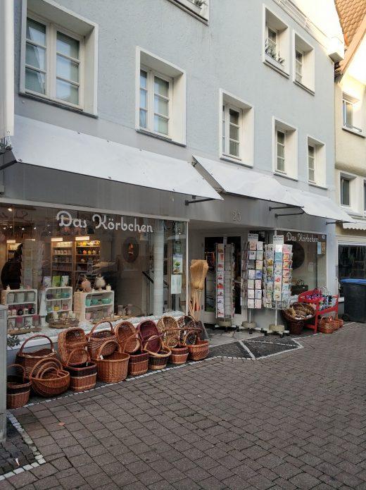 Das Foto zeigt den Laden Körbchen in der Altstadt von Unna