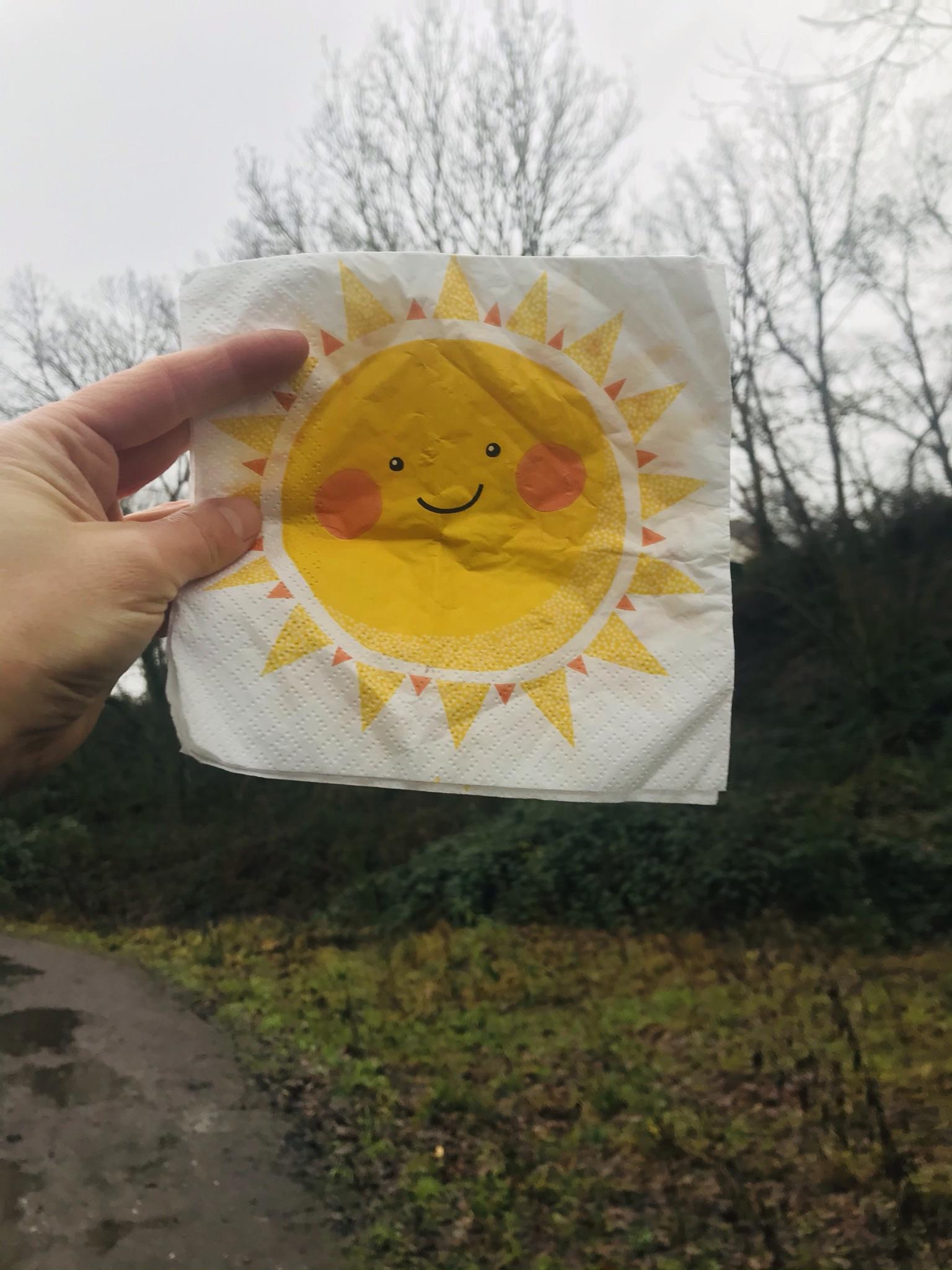 Sonnenbegleitung auf dem Weg zur Burgruine Hardenstein in Witten im Ruhrgebiet