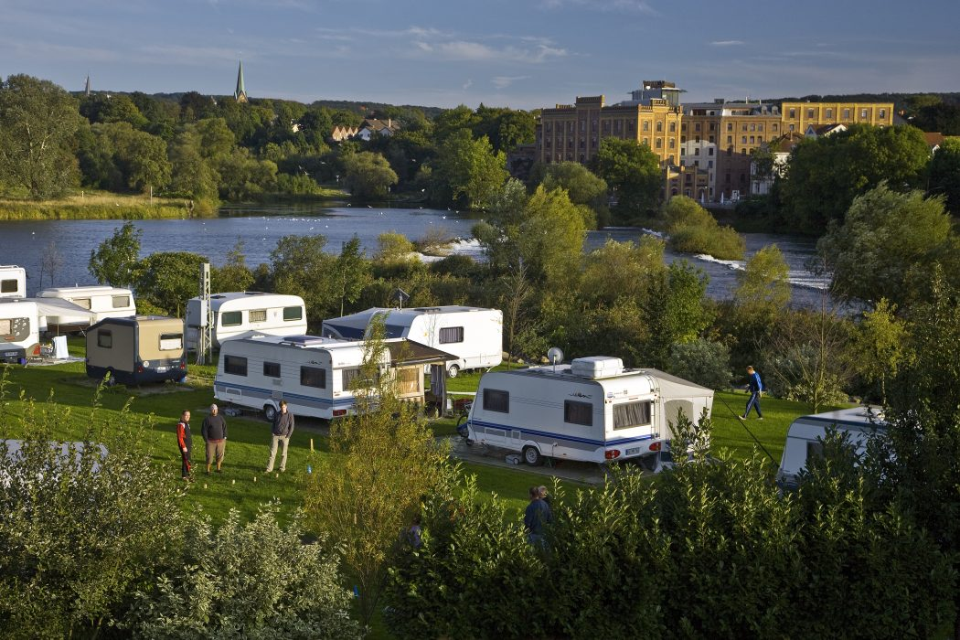 Das Foto zeigt den Campingplatz Ruhrbrücke in Hattingen