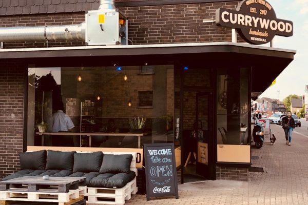 Das Foto zeigt Currywood in Bottrop von außen