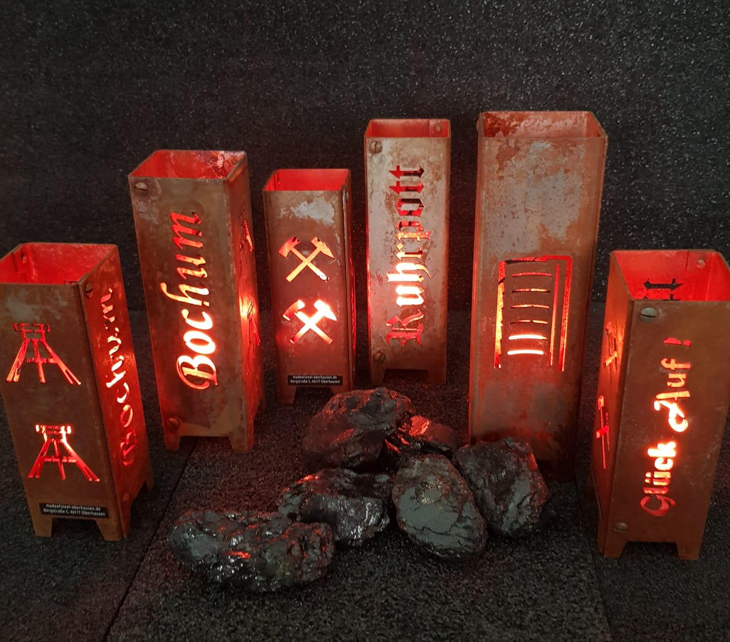 Das Bild zeigt Feuersäulen von MadeofSteel