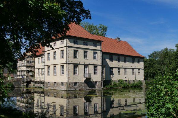 Das Foto zeigt das Schloss Strünkede in Herne