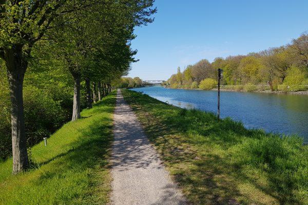 Das Foto zeigt den Kanal in Dortmund