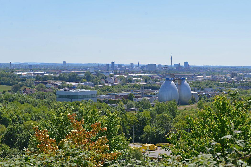 Das Foto zeigt den Blick vom Deusenberg auf Dortmund