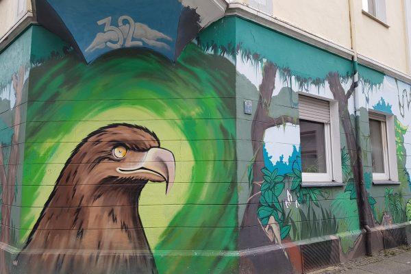Das Foto zeigt Streetart an einer Hauswad in der Falkenstraße in Dortmund