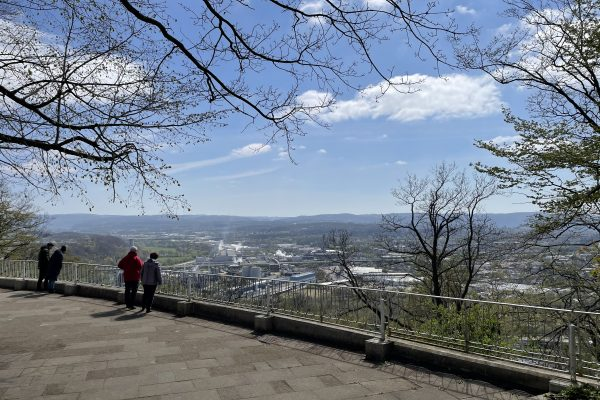 Das Foto zeigt die Aussicht von der Hohensyburg auf das Dortmunder Ruhrtal