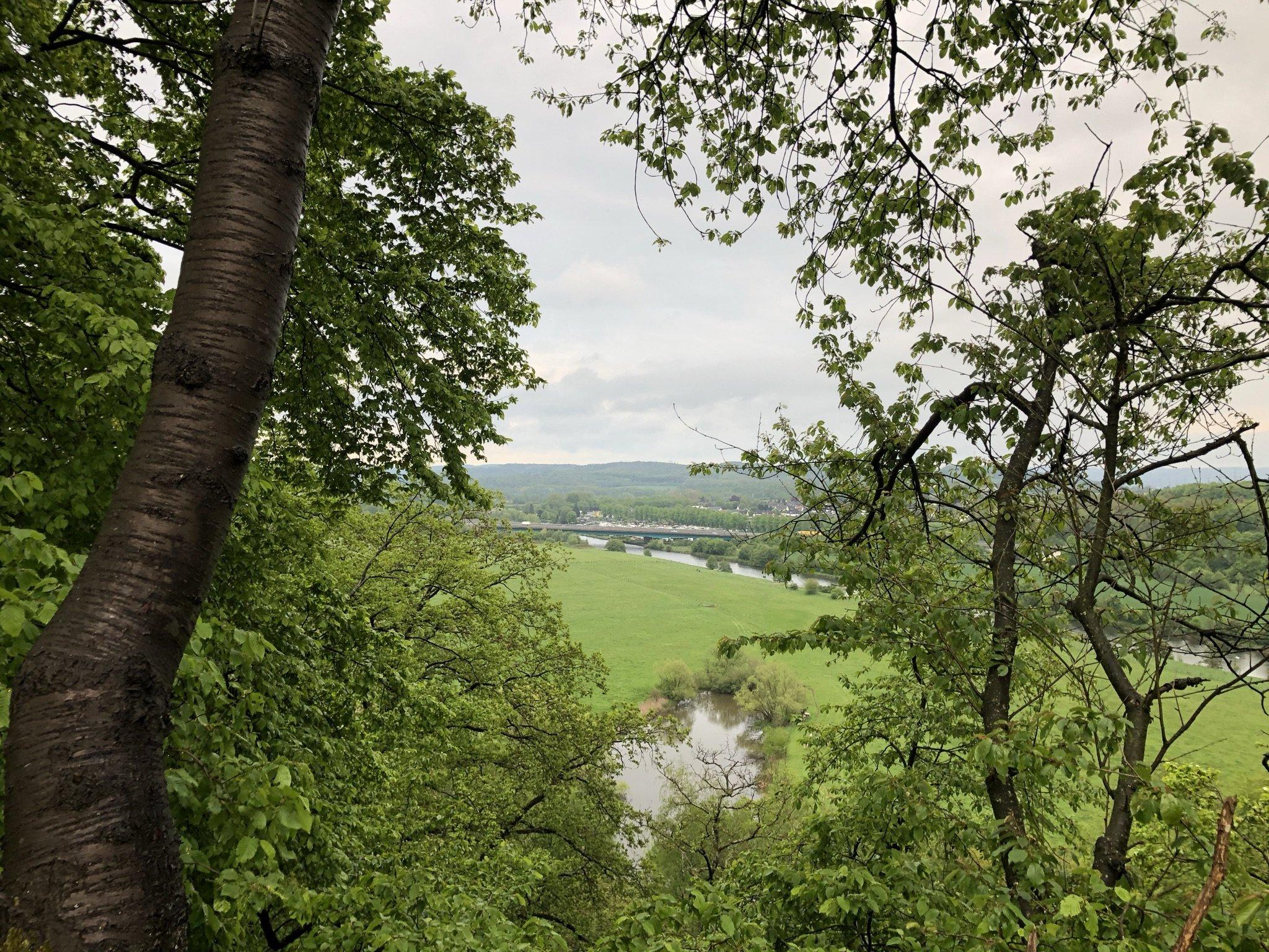 Blick auf die Ruhr und die grüne Umgebung