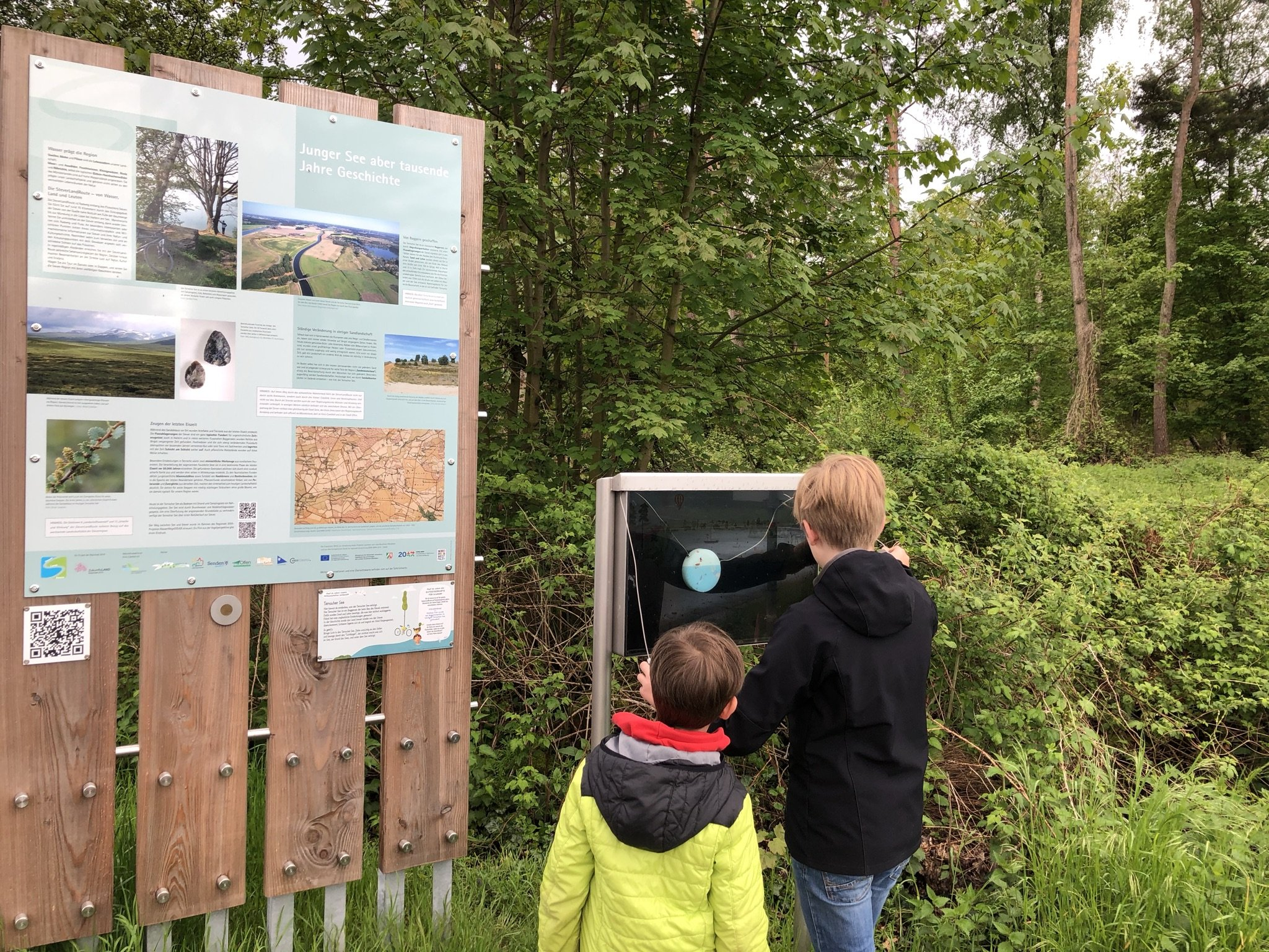 Infotafeln am Ternscher See