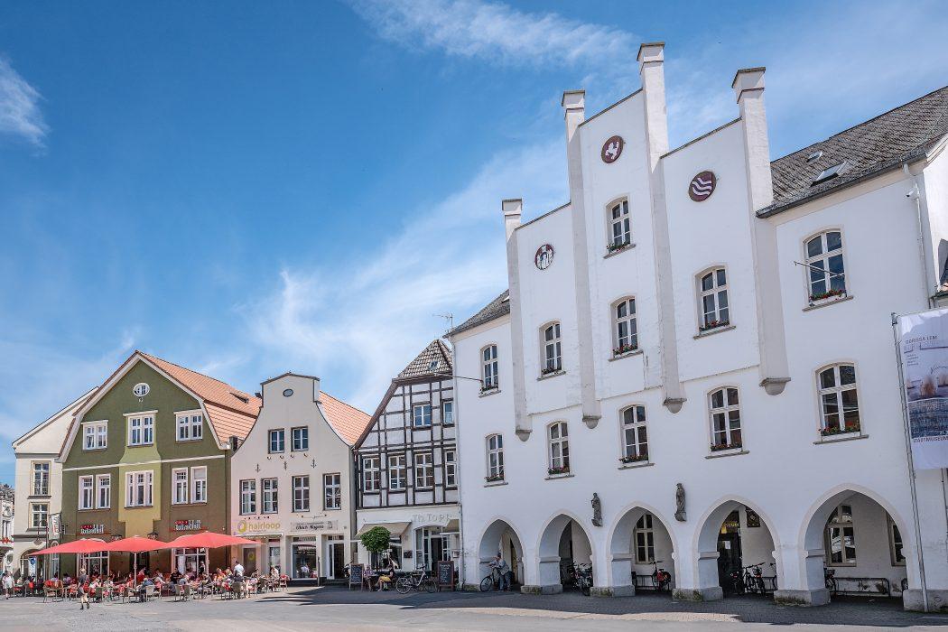 Das Foto zeigt den Marktplatz von Beckum