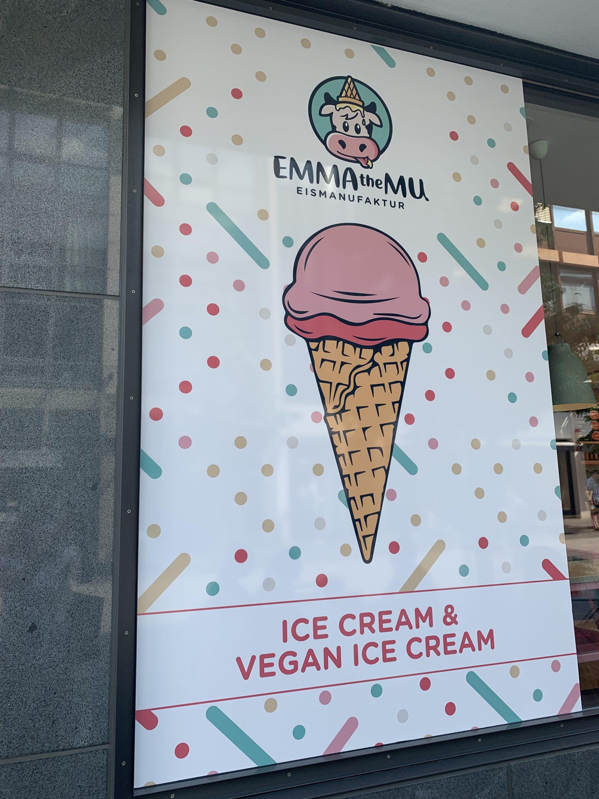 Das Bild zeigt die Eismanufaktur Emma the Mu