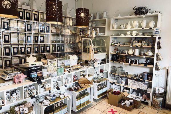 Das Foto zeigt den Verkaufsraum des Teeladens Tee Marie im Szeneviertel Bochum Ehrenfeld