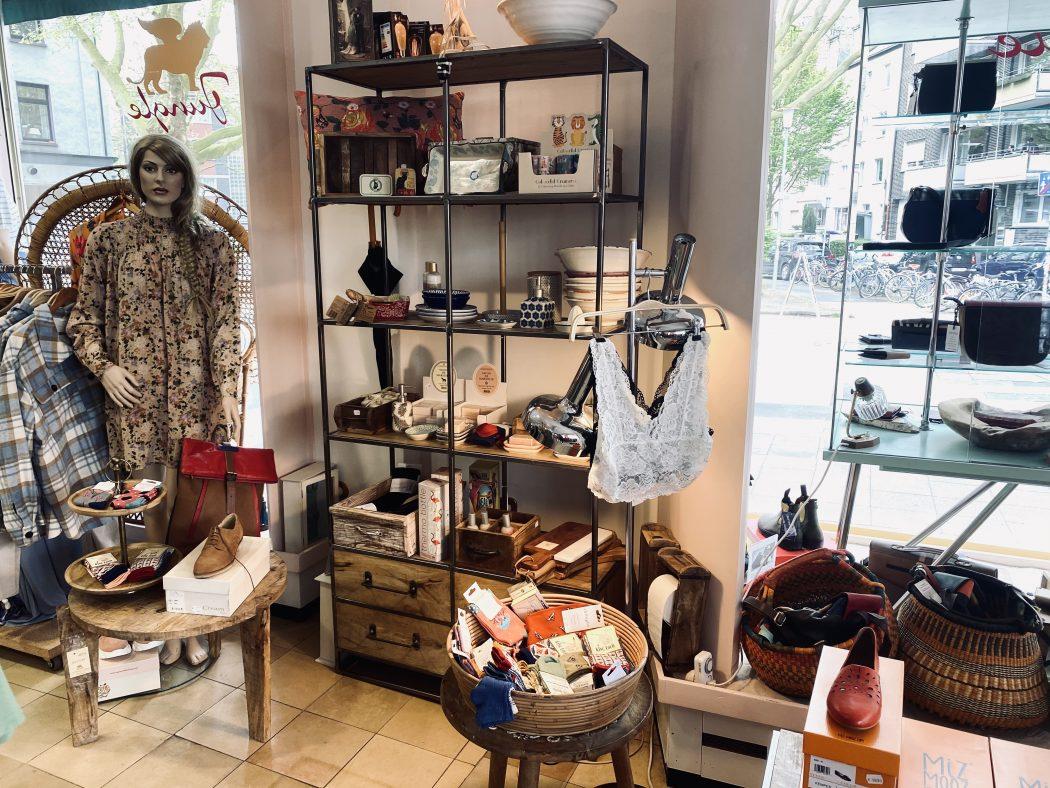 Das Foto zeigt die Boutique Jungle im Szeneviertel Bochum Ehrenfeld