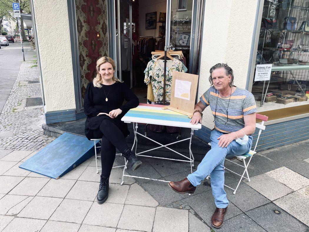 Das Foto zeigt den Inhaber Jablonski und Mitarbeiterin Edyta der Boutique Jungle im Szeneviertel Bochum Ehrenfeld