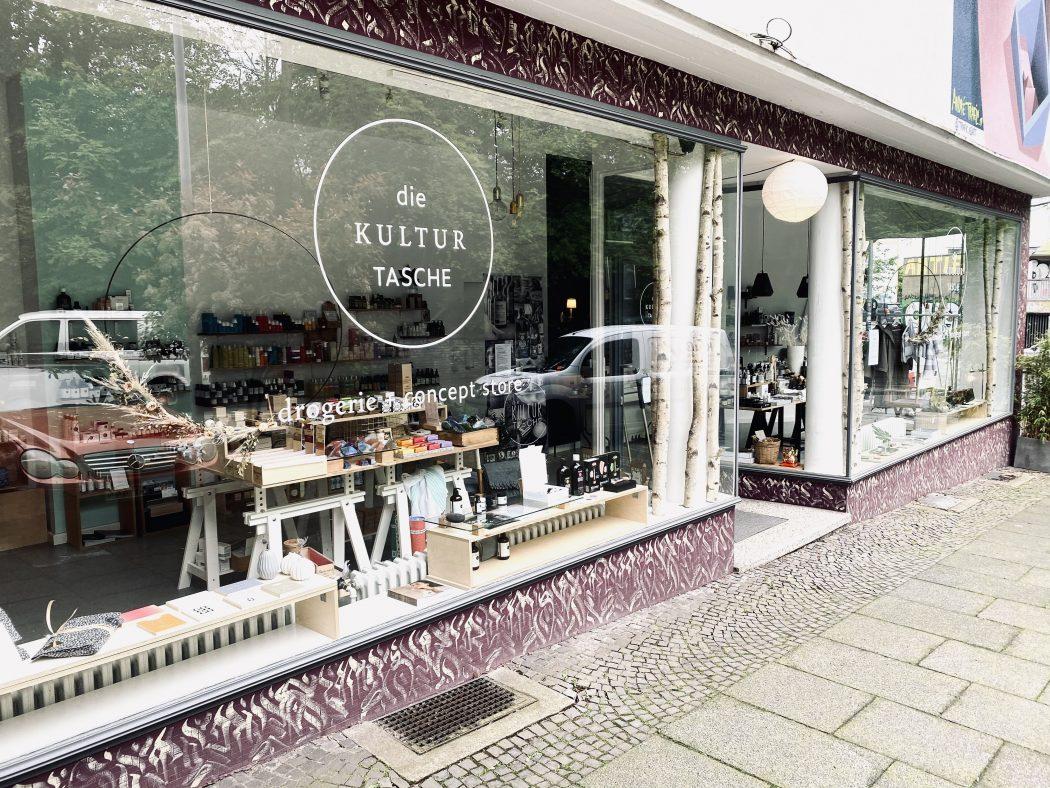 Das Foto zeigt den Concept Store die Kultur Tasche im Szeneviertel Bochum Ehrenfeld von außen
