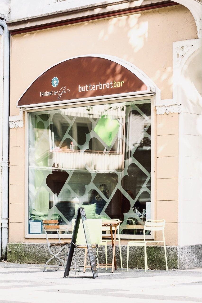 Das Foto zeigt die Butterbrotbar im Szeneviertel Bochum Ehrenfeld von außen