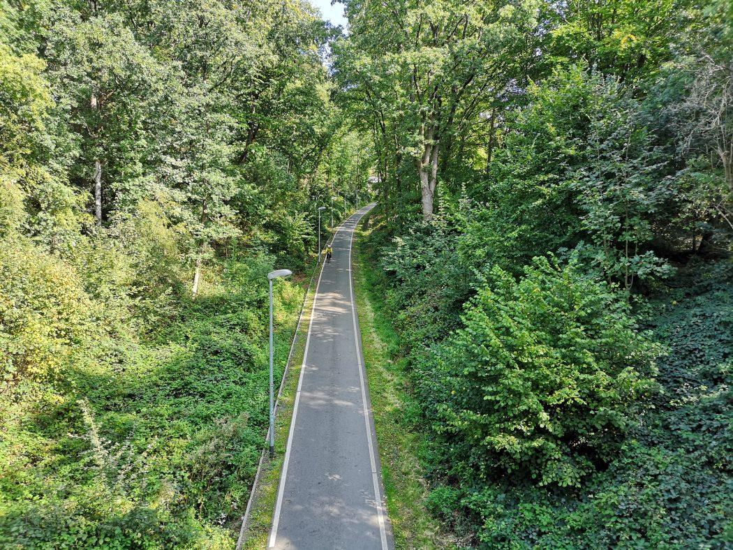 Das Foto zeigt den Bahntrassenradweg Springorumtrasse in Bochum