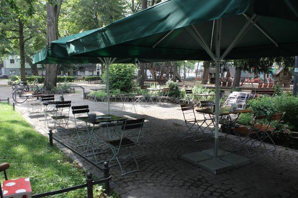 Das Foto zeigt den Biergarten des Grünen Salons in der Nordstadt von Dortmund