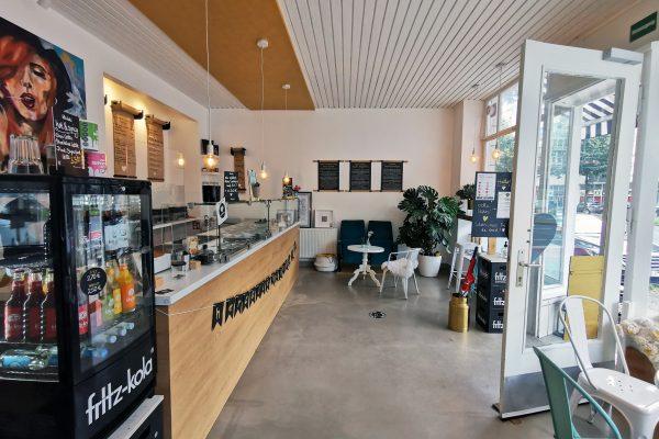 Das Foto zeigt den Cafébereich des herzallerliebst in Dortmund