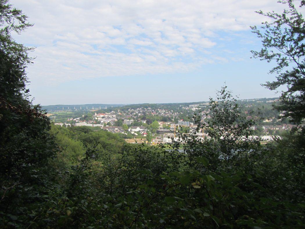 Das Foto zeigt den Blick ins Ruhrtal bei Kettwig