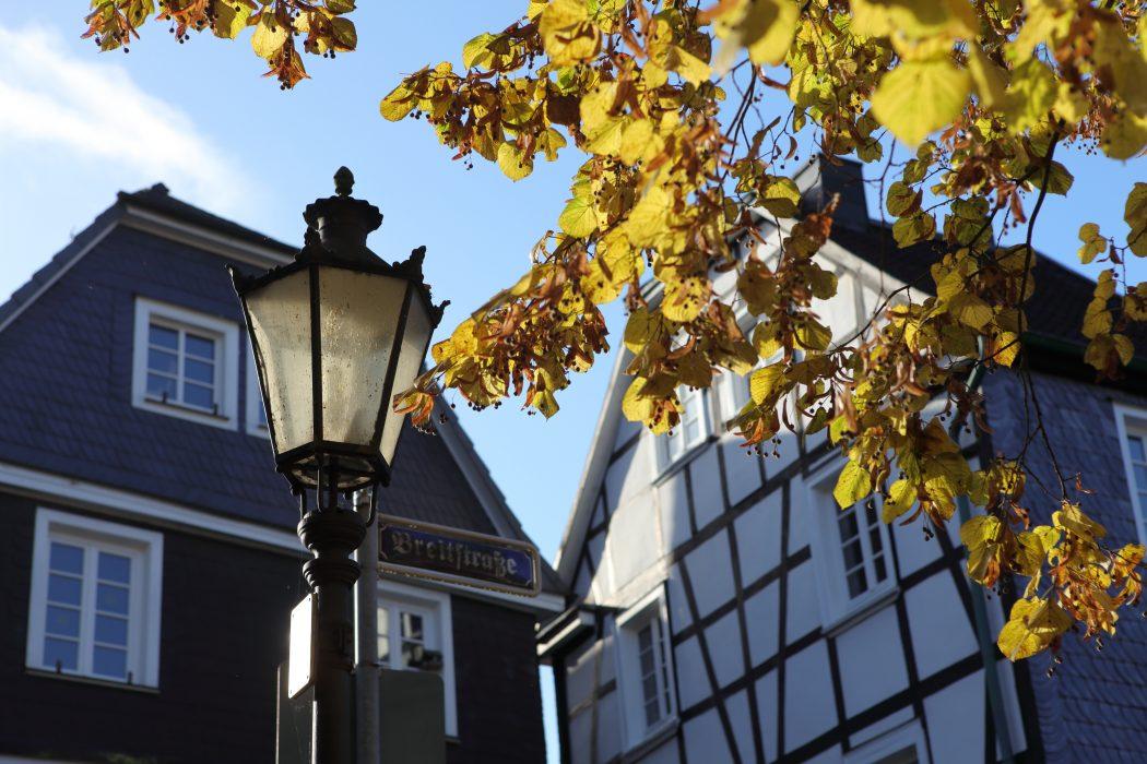 Das Foto zeigt Fachwerk in der Langenberger Altstadt