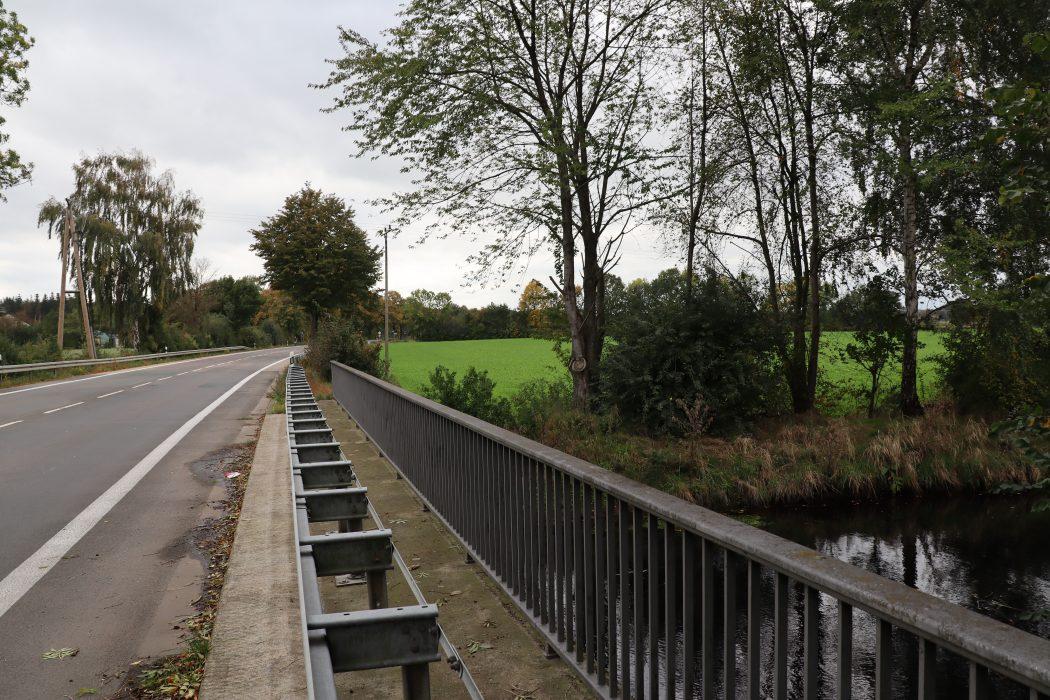 Das Foto zeigt die Issel am nördlichsten Punkt des Ruhrgebiets