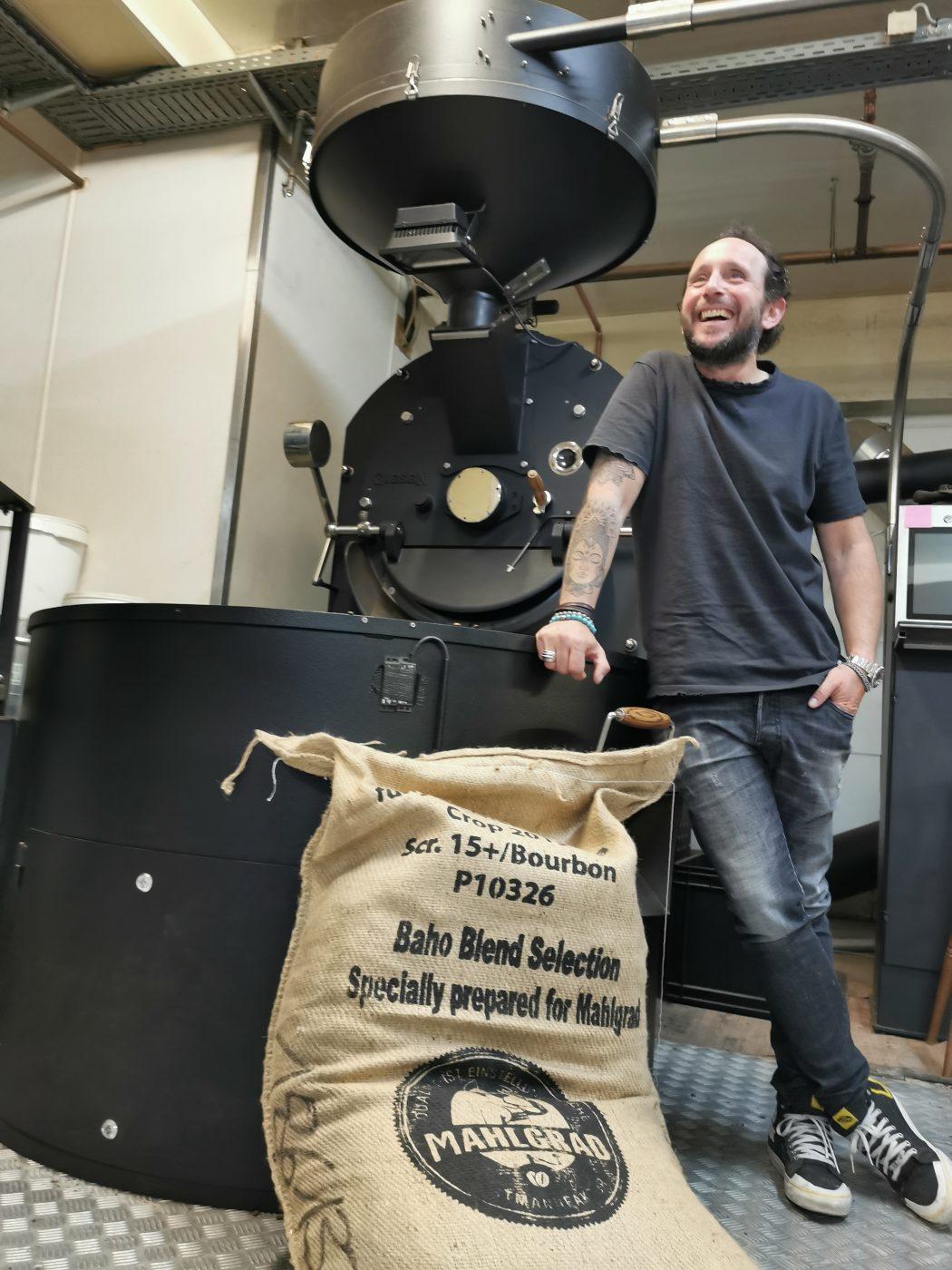 Das Foto zeigt Mario Grube, den Gründer der Kaffeerösterei Mahlgrad in Kamp-Lintfort