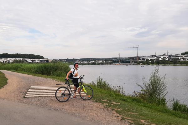 Das Foto zeigt Frauke am Phoenix See in Dortmund