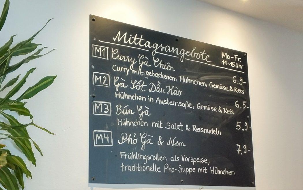 Das Foto zeigt die Mittagskarte im LUA in Essen
