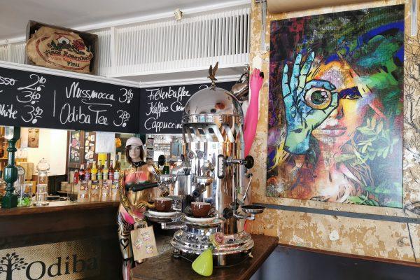 Das Foto zeigt die tolle Inneneinrichtung der Kaffeerösterei ODIBA in Gelsenkirchen
