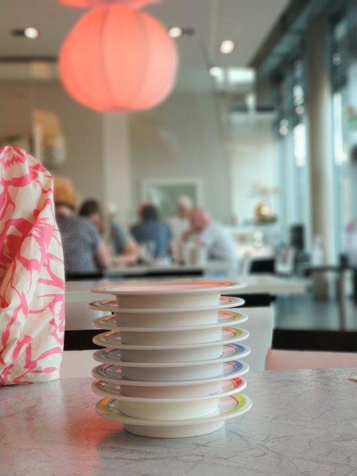 Das Foto zeigt leere Teller im Daikychi in Bottrop