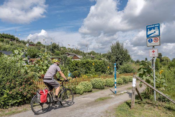 Das Foto zeigt Jochen bei seiner Radtour durch Dortmund auf dem Emscher-Weg
