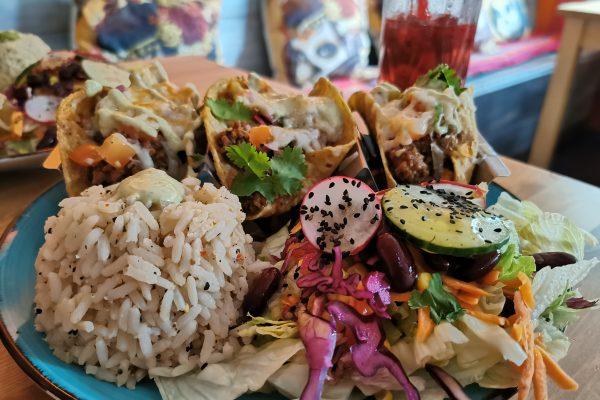 Das Foto zeigt Tacos con Carne in der TequilaRia in Bochum