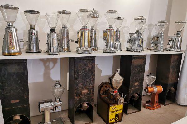 Das Foto zeigt das Trauzimmer und Kaffeemuseum in der Kaffeerösterei Bristoteles in Bochum