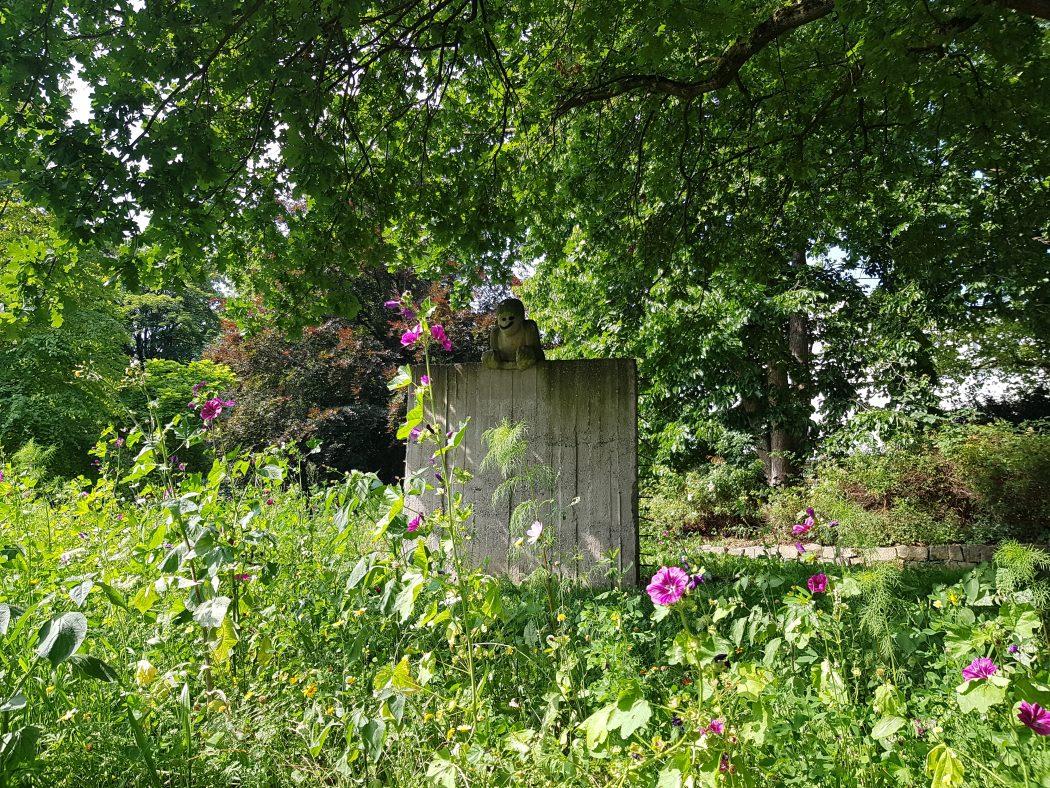 Das Foto zeigt eine Skulptur am Mauerpark in Unna