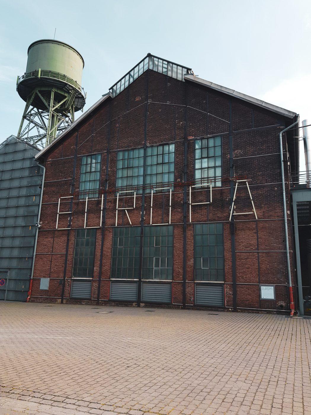 Das Foto zeigt die Jahrhunderthalle Bochum