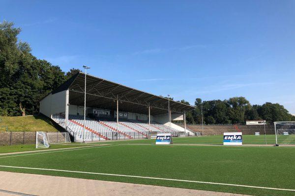 Die Tribüne des Westfalia Herne Fußballstadions
