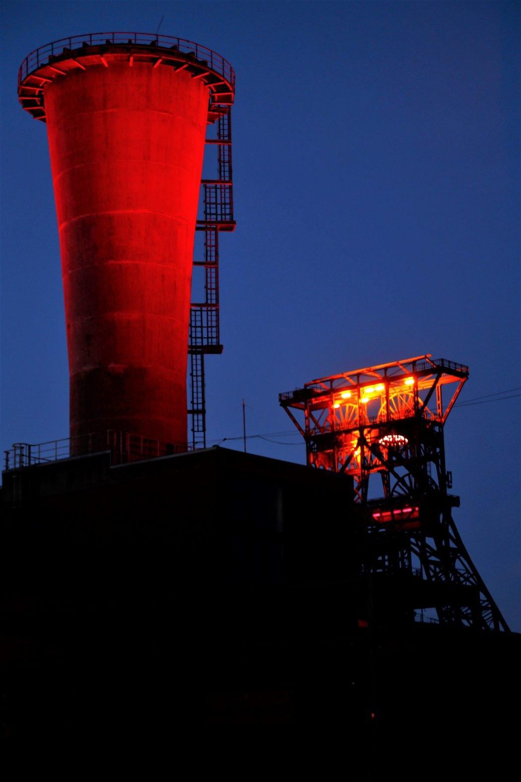 Das Foto zeigt die Zeche Consol in Gelsenkirchen - einen von zahlreichen Fotospots im Ruhrgebiet bei Nacht