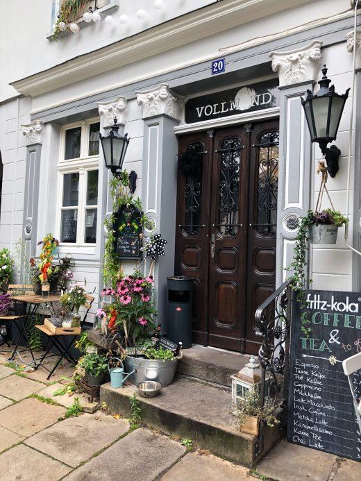 Das Foto zeigt das Café Vollmond in der Altstadt von Hattingen