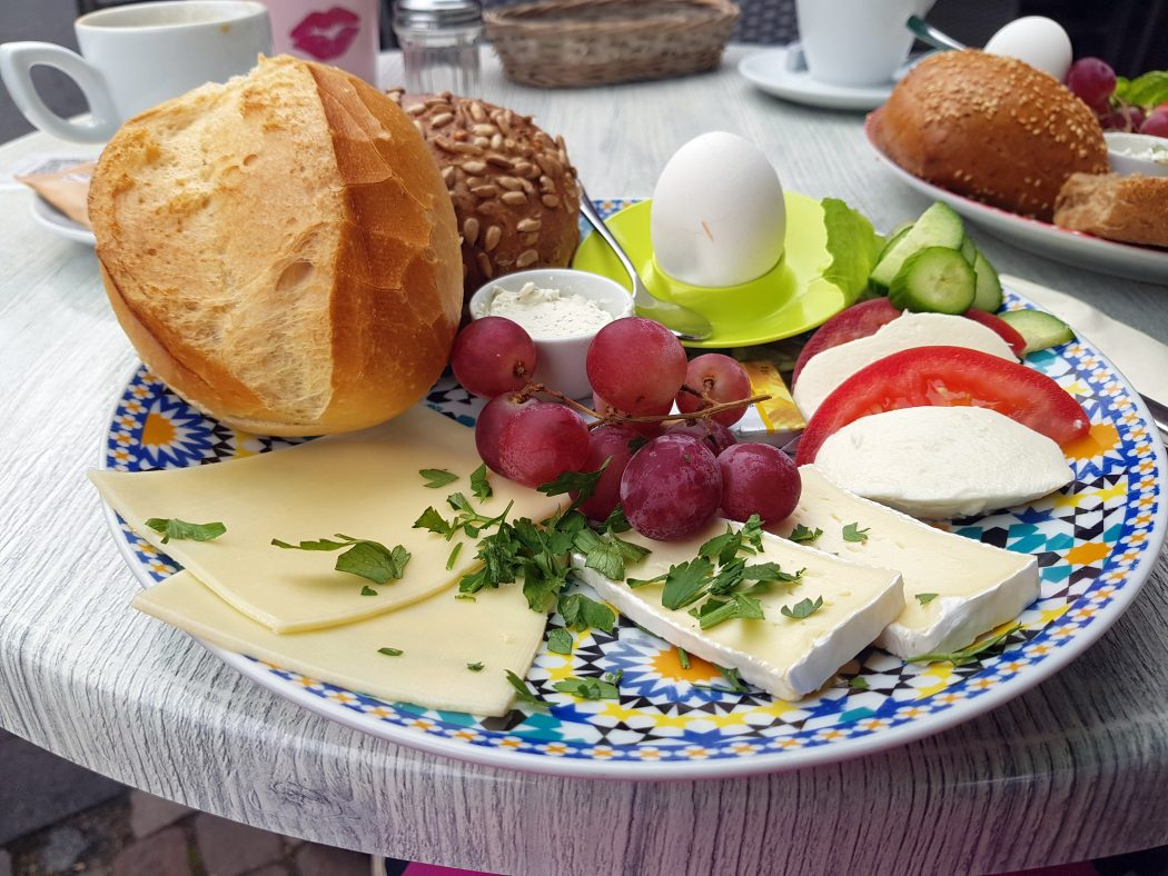 Das Foto zeigt das vegetarische Frühstück im Café Herrlich in Schwerte