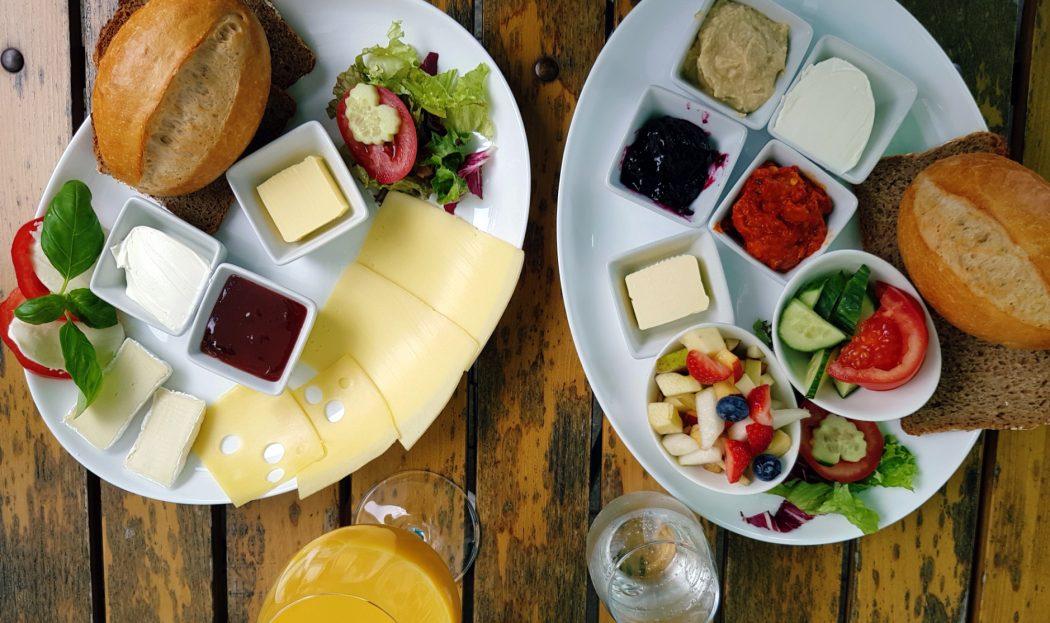 Das Foto zeigt Frühstück im Café Küchlein in Dortmund